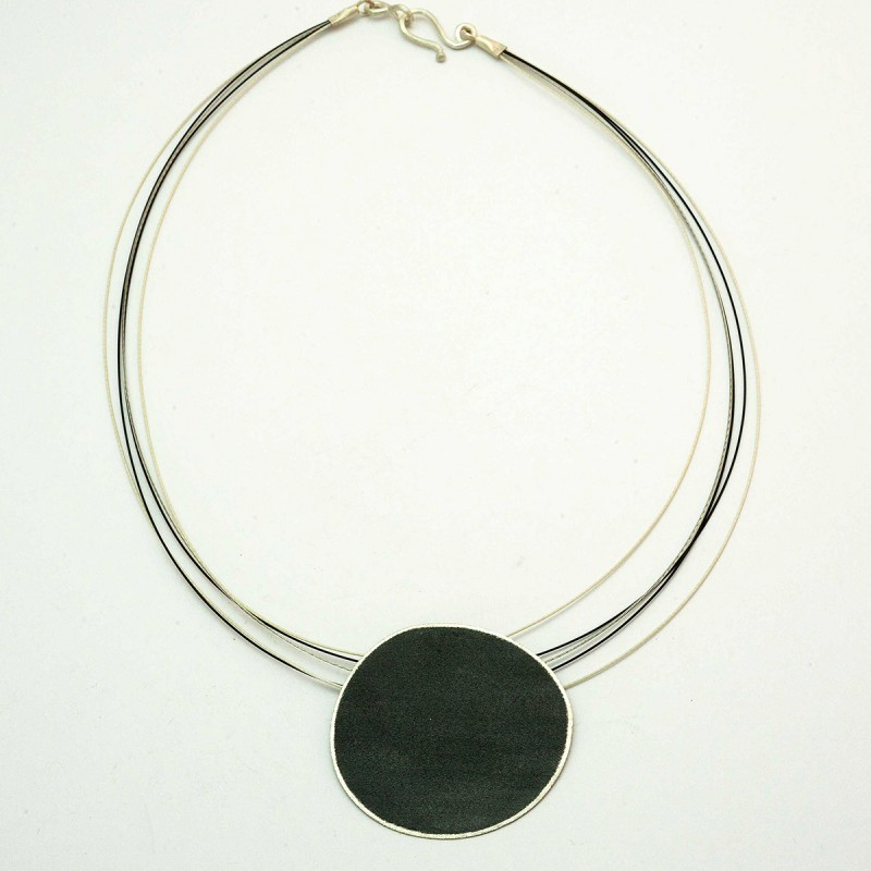 Necklace Contrasts