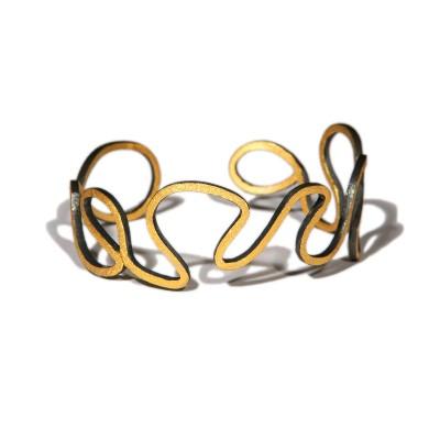 Bracelet Oscillation