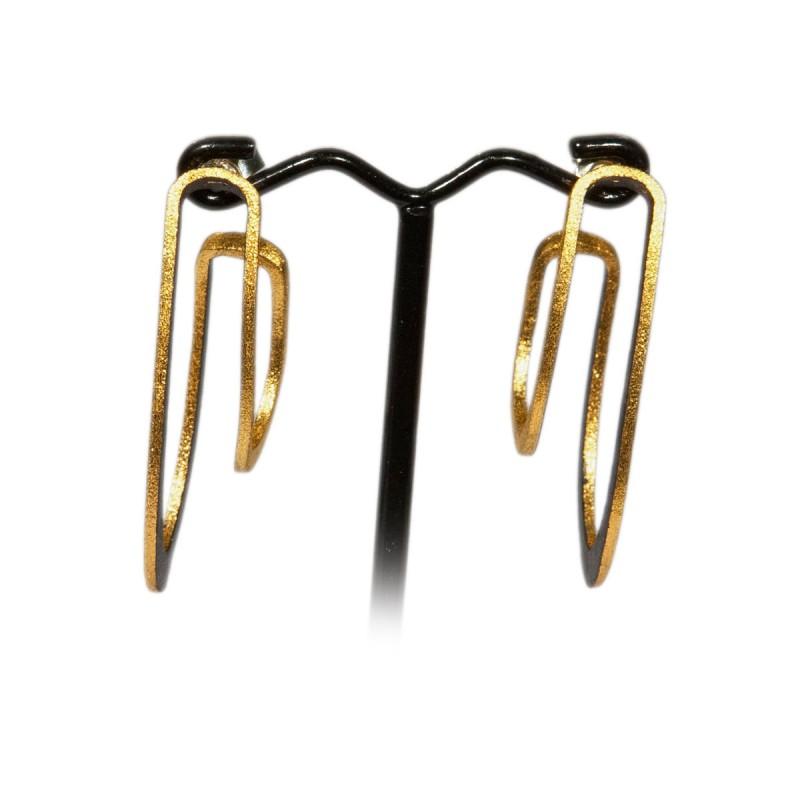 Earrings Oscillation